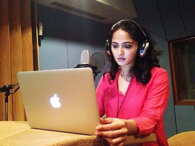 Anushka_Shetty_-_TeachAIDS_Recording_Session_(13565574725).jpg